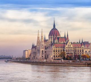 Фотообои ''Будапешт 300х270 см''